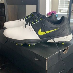Nike Golf Shoes. Size 8 Men's - Never Worn